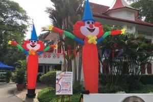 clown dancing tube rental singapore