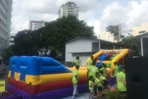 bungee run and hoop bouncy for rent singapore